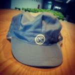 """帽子の""""ロゴ""""に隠されたメッセージ"""